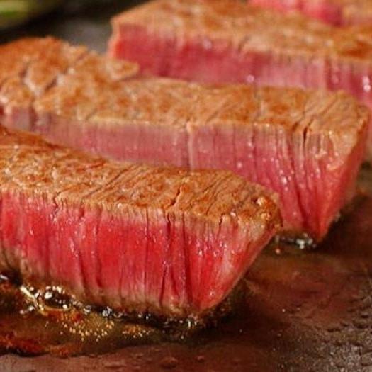 【黒毛和牛A4ヒレ肉の鉄板ステーキ】販売開始しました!柔らかさと滑らかな特上の食感♡赤身好きな方や、女性のお客様に大人気のヒレ肉を、50食限定で特価2680円で販売いたします。