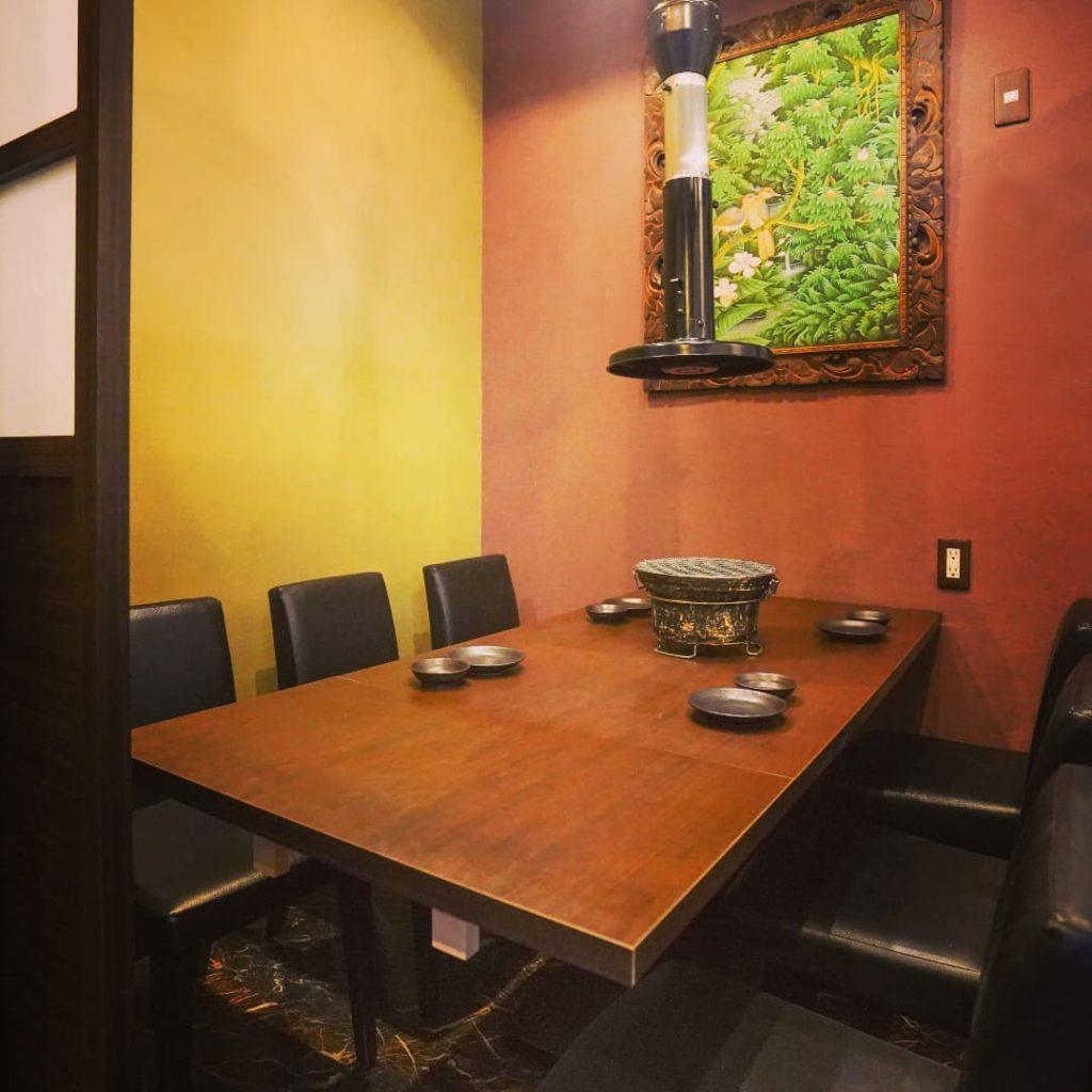 お席紹介【6名個室テーブル式】最大6名様の角部屋です。